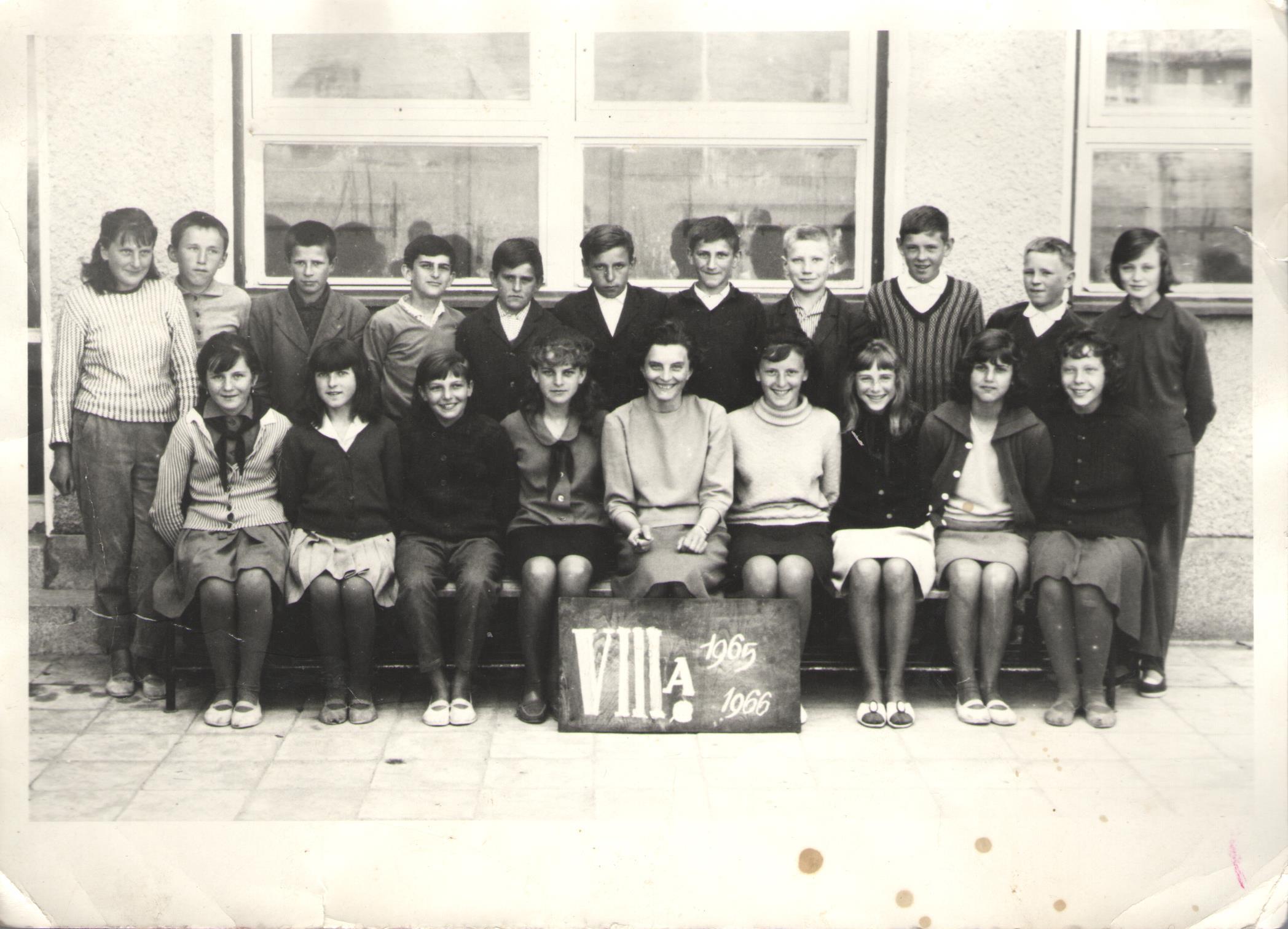 ZDŠ 1965 - Spoločná foto 8.A