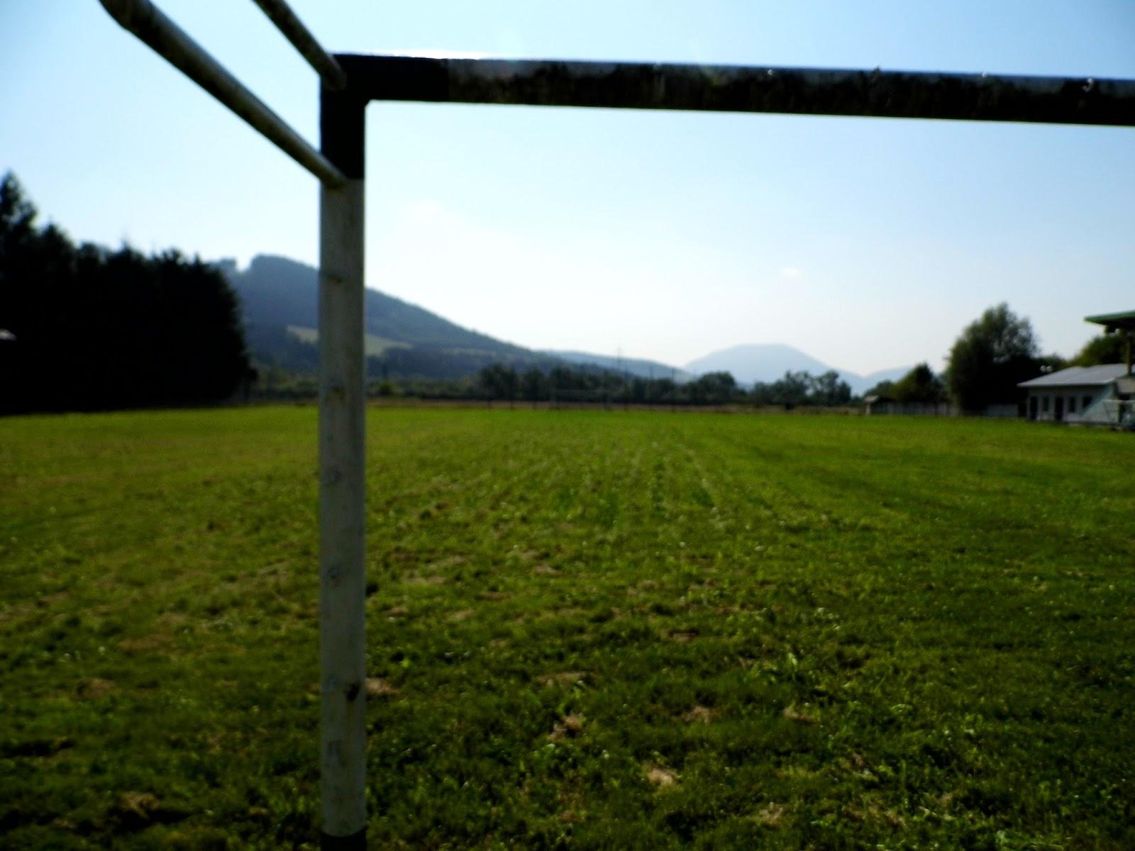 Hlavné ihrisko - pohľad od bránky